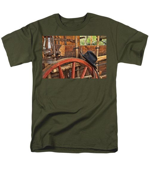 Men's T-Shirt  (Regular Fit) featuring the photograph Dagnabbit Where Is My Hat by Toni Hopper