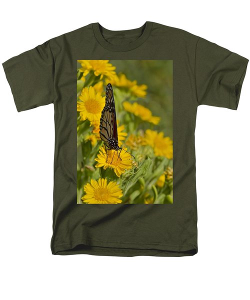 Men's T-Shirt  (Regular Fit) featuring the photograph Daisy Daisy Give Me Your Anther Do by Gary Holmes