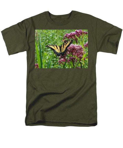 Eastern Tiger Swallowtail On Joe Pye Weed Men's T-Shirt  (Regular Fit)