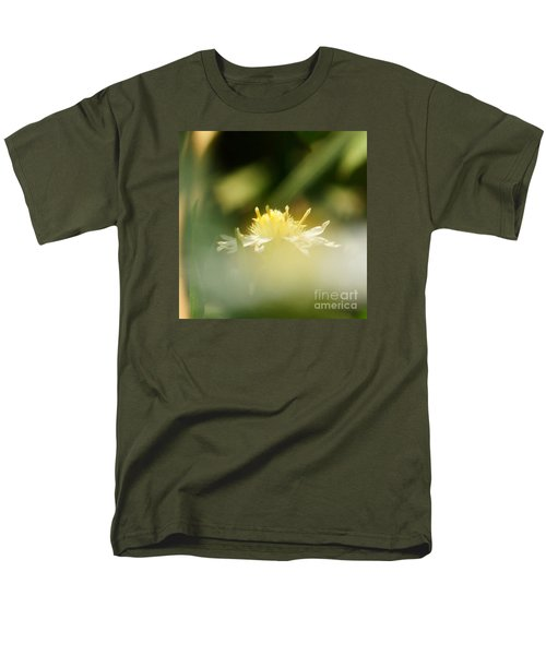 Men's T-Shirt  (Regular Fit) featuring the photograph Enwrapped In Misty Shroud by Linda Shafer