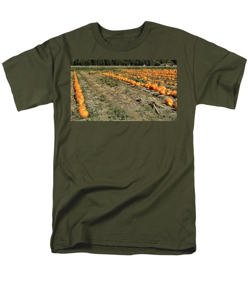 Men's T-Shirt  (Regular Fit) featuring the photograph Fencing The Pumpkin Patch by Michael Gordon