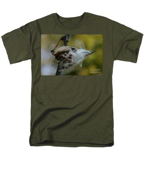 Getting Ready For Flight No.3 Men's T-Shirt  (Regular Fit)