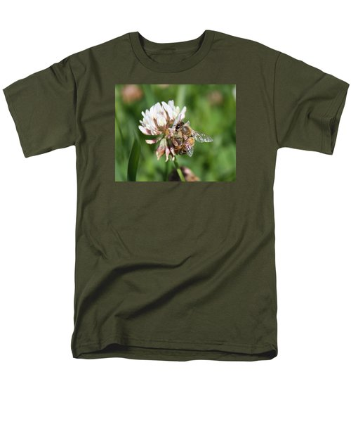 Honeybee On Clover Men's T-Shirt  (Regular Fit) by Lucinda VanVleck