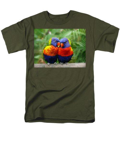 In Love Lorikeets Men's T-Shirt  (Regular Fit)