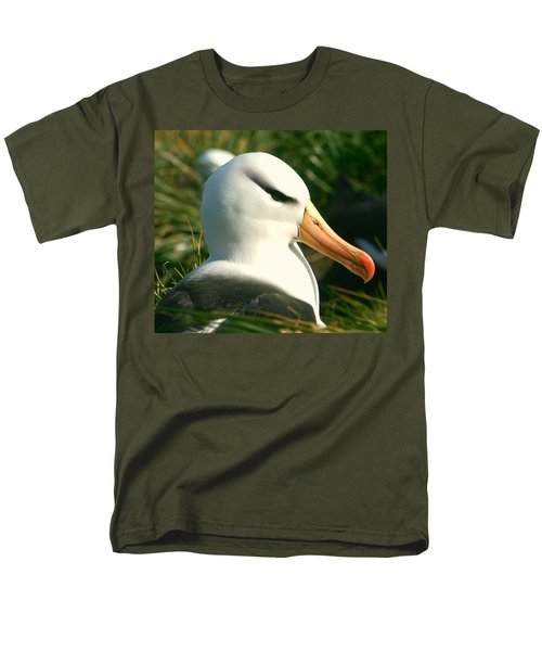 Men's T-Shirt  (Regular Fit) featuring the photograph In Waiting by Amanda Stadther