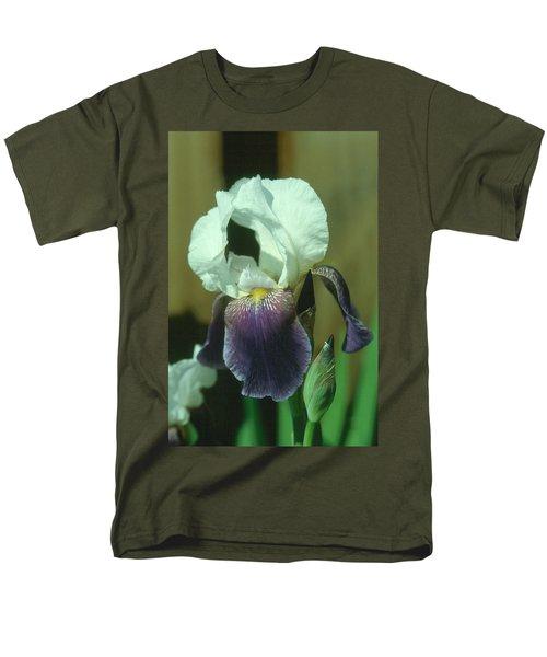 Iris 3 Men's T-Shirt  (Regular Fit)
