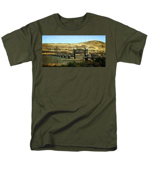 Lift Bridge Over The Columbia River Men's T-Shirt  (Regular Fit) by Michelle Calkins