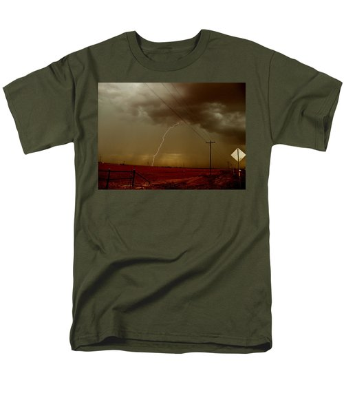 Lightning Strike In Oil Country Men's T-Shirt  (Regular Fit) by Ed Sweeney