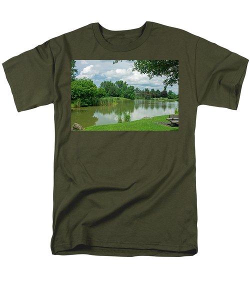 Muller Chapel Pond Ithaca College Men's T-Shirt  (Regular Fit)