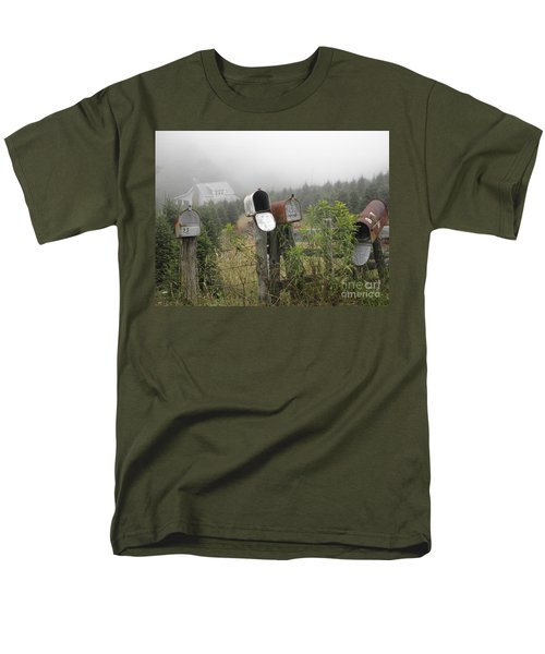 Men's T-Shirt  (Regular Fit) featuring the photograph Nc Mailboxes by Valerie Reeves