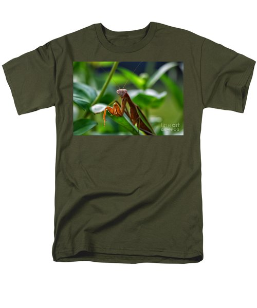 Men's T-Shirt  (Regular Fit) featuring the photograph Praying Mantis by Thomas Woolworth