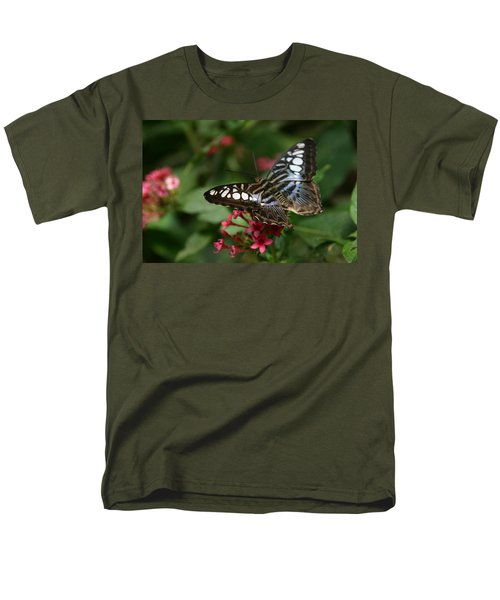 Men's T-Shirt  (Regular Fit) featuring the photograph Stopping By by Denyse Duhaime