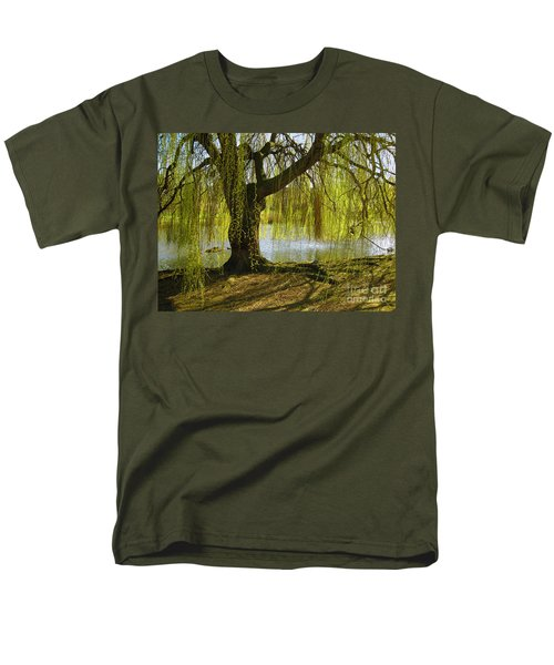 Sunday In The Park Men's T-Shirt  (Regular Fit) by Madeline Ellis