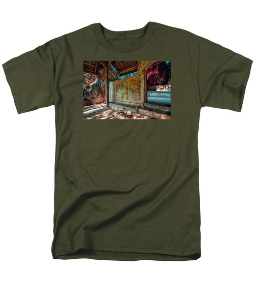 Temple Cave Men's T-Shirt  (Regular Fit)