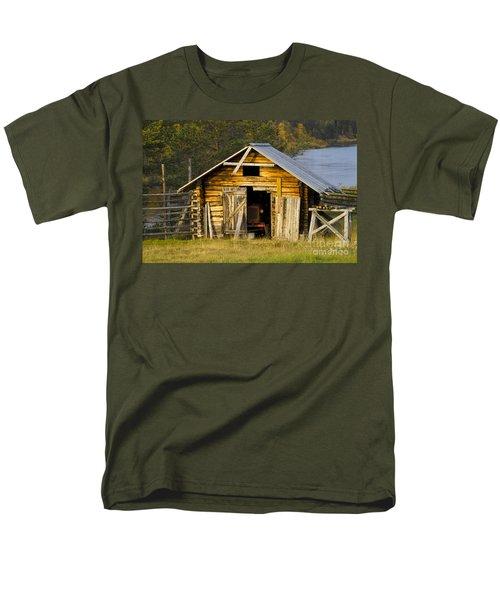 The Old Barn Men's T-Shirt  (Regular Fit) by Heiko Koehrer-Wagner