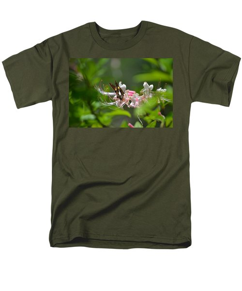Men's T-Shirt  (Regular Fit) featuring the photograph The Visitor by Tara Potts