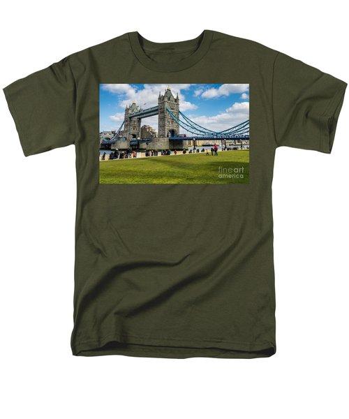 Tower Bridge Men's T-Shirt  (Regular Fit) by Matt Malloy