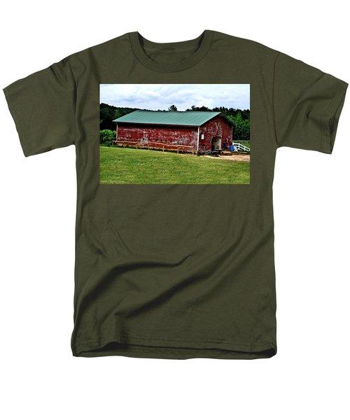 Westminster Stable Men's T-Shirt  (Regular Fit) by Tara Potts
