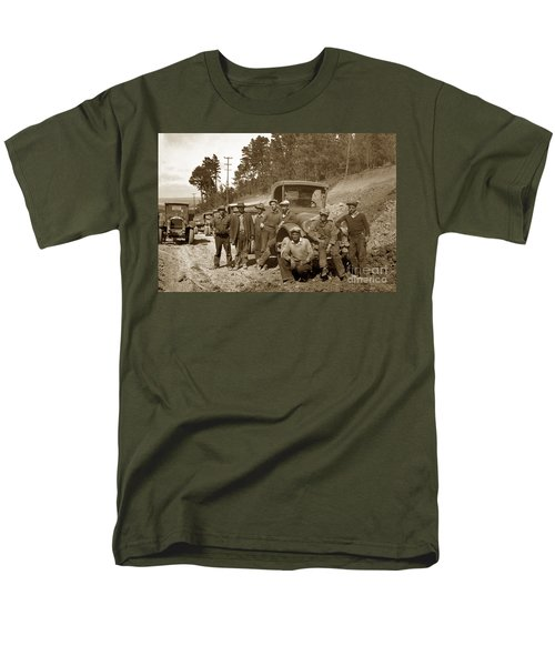 Workers On Highway One Monterey Carmel Hill California 1929 Men's T-Shirt  (Regular Fit) by California Views Mr Pat Hathaway Archives