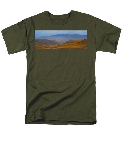 Men's T-Shirt  (Regular Fit) featuring the photograph Bakersfield Horizon by Hugh Smith