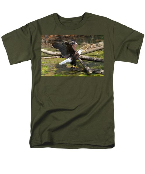 Men's T-Shirt  (Regular Fit) featuring the photograph Soaring Eagle by Elizabeth Winter