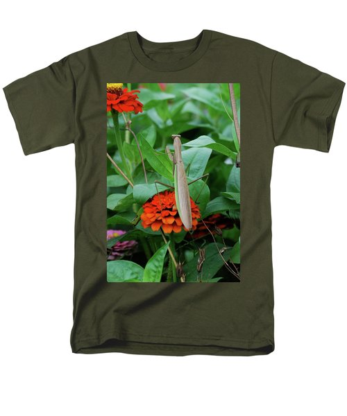 Men's T-Shirt  (Regular Fit) featuring the photograph The Patience Of A Mantis by Thomas Woolworth