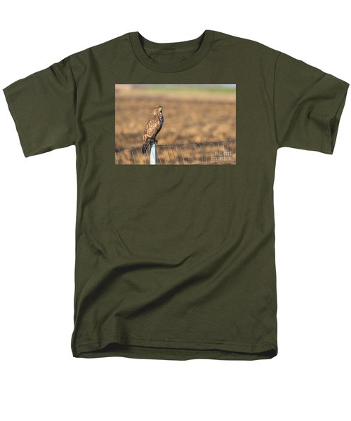 Common Buzzard Along The Highway Nis - Budapest Men's T-Shirt  (Regular Fit) by Jivko Nakev