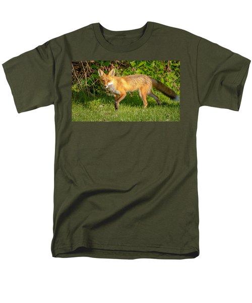 Fox Portrait  Men's T-Shirt  (Regular Fit) by Brian Caldwell