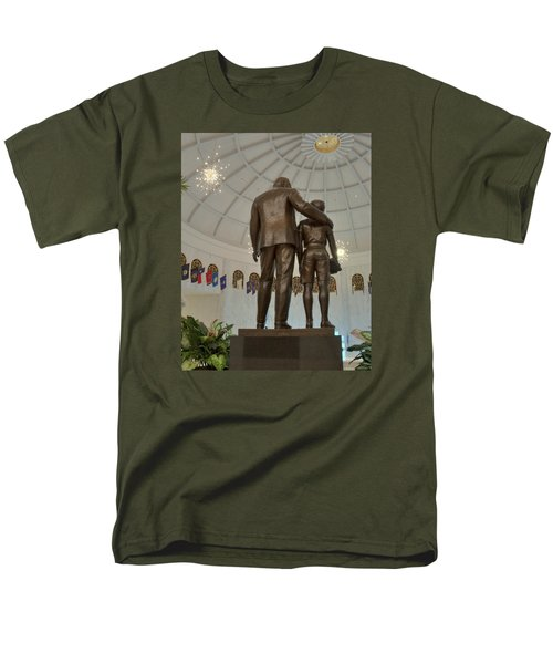Milton Hershey And The Boy Men's T-Shirt  (Regular Fit)