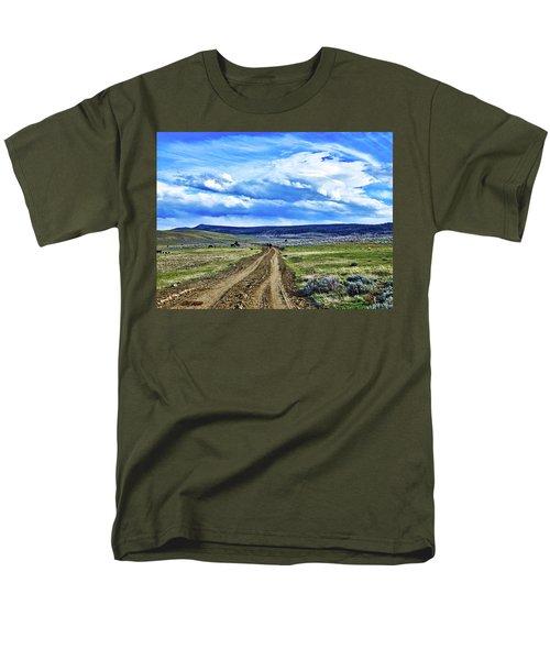 Room To Roam - Wyoming Men's T-Shirt  (Regular Fit) by L O C
