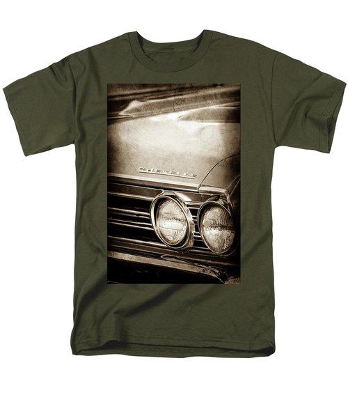 Men's T-Shirt  (Regular Fit) featuring the photograph 1967 Chevrolet Chevelle Ss Super Sport Emblem -0413s by Jill Reger