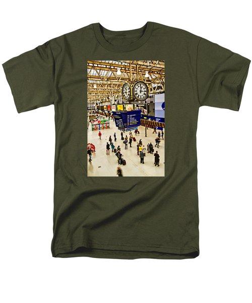 London Waterloo Station Men's T-Shirt  (Regular Fit)