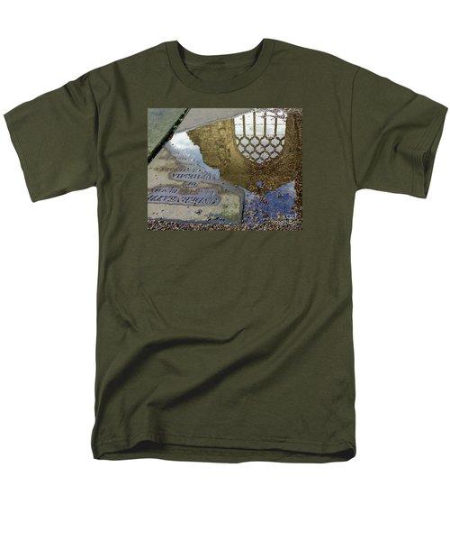 Abbey Ruins - Edinburgh Men's T-Shirt  (Regular Fit) by Amy Fearn