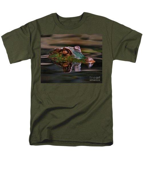 Alligator Above Water Reflection Men's T-Shirt  (Regular Fit)