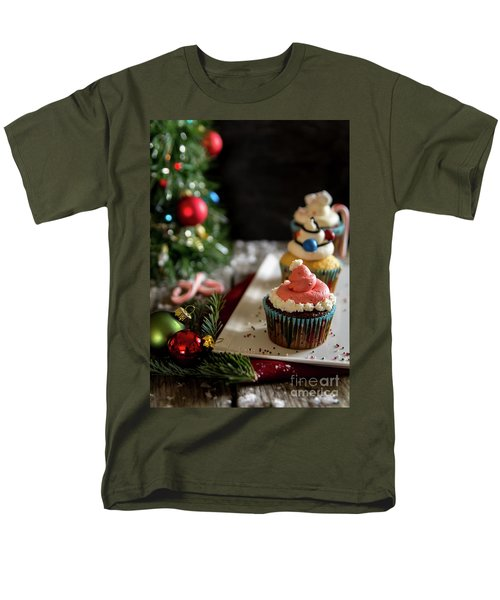Men's T-Shirt  (Regular Fit) featuring the photograph Another Christmas To Remember by Deborah Klubertanz