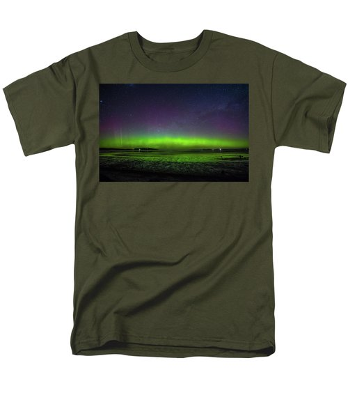 Men's T-Shirt  (Regular Fit) featuring the photograph Aurora Australia by Odille Esmonde-Morgan