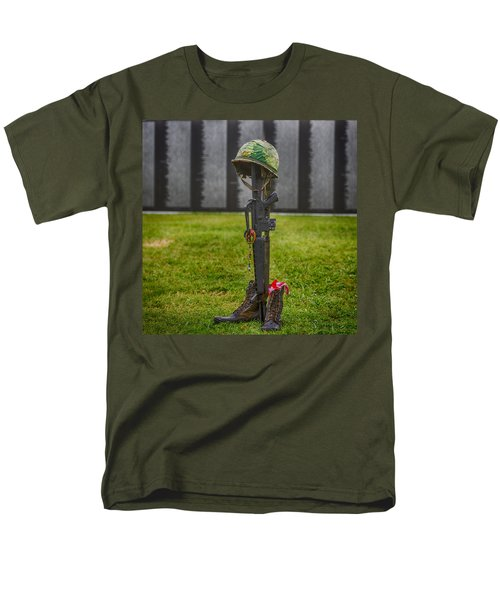 Battle Field Cross At The Traveling Wall Men's T-Shirt  (Regular Fit) by Paul Freidlund