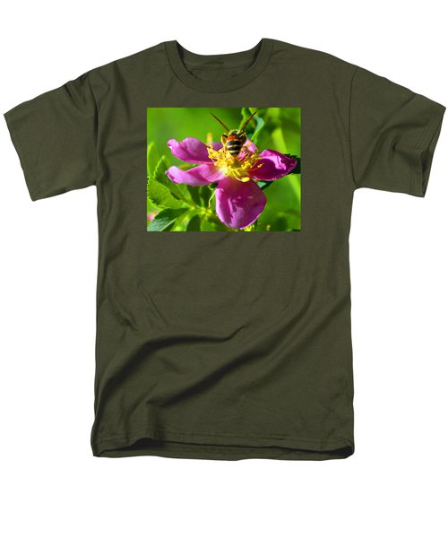 Men's T-Shirt  (Regular Fit) featuring the photograph Bee Here Now by Susanne Still