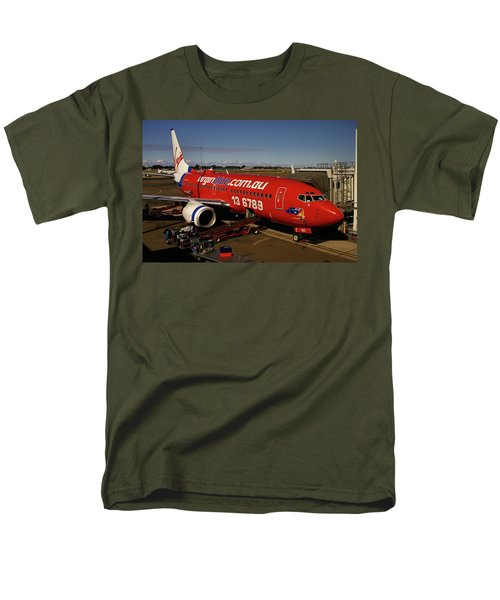 Men's T-Shirt  (Regular Fit) featuring the photograph Boeing 737-7q8 by Tim Beach