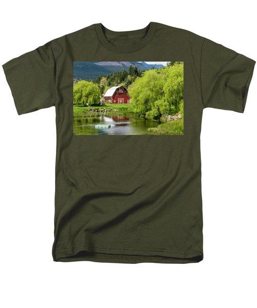 Brinnon Washington Barn Men's T-Shirt  (Regular Fit) by Teri Virbickis