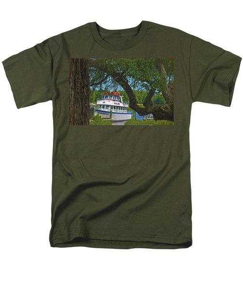 Calabash Deep Sea Fishing Boat Men's T-Shirt  (Regular Fit) by Sandi OReilly