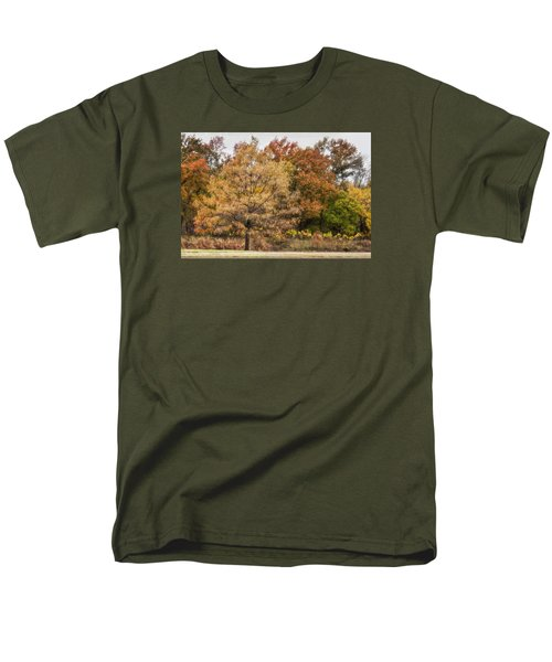 Men's T-Shirt  (Regular Fit) featuring the photograph Center Of Attention by Joan Bertucci