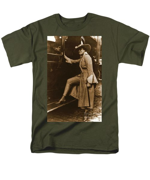 Chicago Suffragette Marching Costume Men's T-Shirt  (Regular Fit) by Padre Art