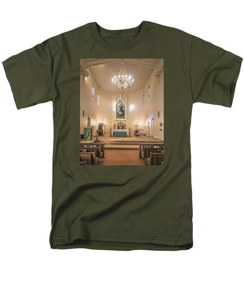 Men's T-Shirt  (Regular Fit) featuring the photograph Church Of The Assumption Of The Blessed Virgin Altar by Andy Crawford