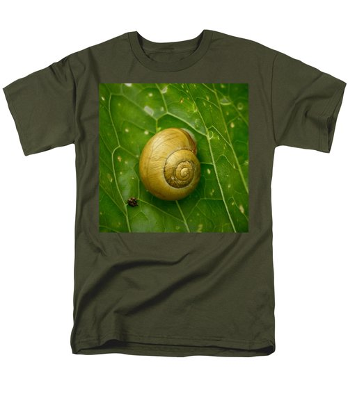 Men's T-Shirt  (Regular Fit) featuring the photograph Conch by Jouko Lehto