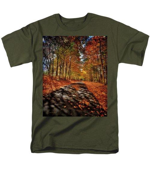 Country Road Men's T-Shirt  (Regular Fit)