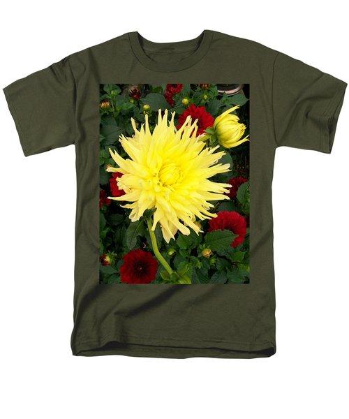 Dahlia's Men's T-Shirt  (Regular Fit)