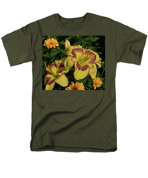 Men's T-Shirt  (Regular Fit) featuring the photograph Daylilies And Zinnia by Sandy Keeton