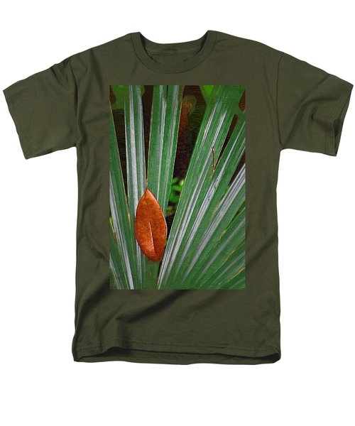 Men's T-Shirt  (Regular Fit) featuring the photograph Don't Leaf by Donna Bentley