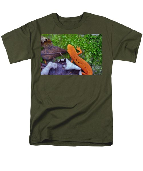 Eastern Newt Men's T-Shirt  (Regular Fit) by David Rucker
